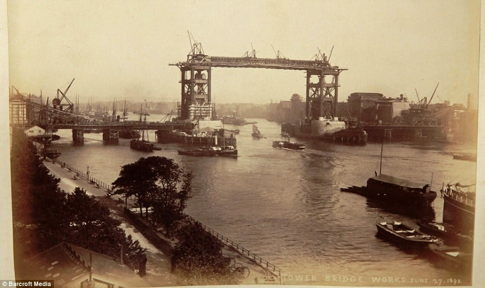Tower Bridge Old Construction Photo 1