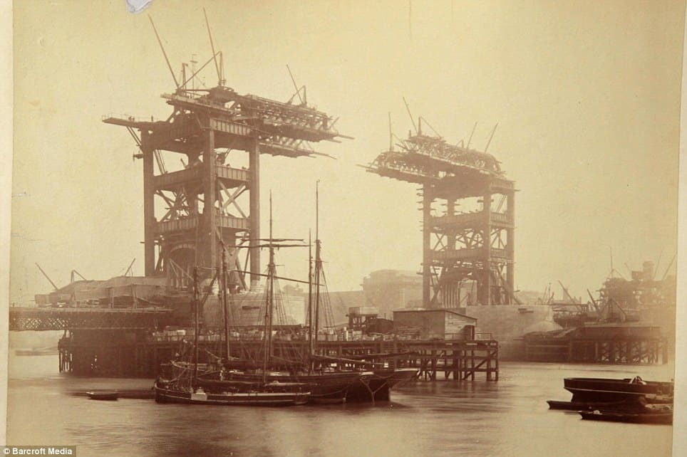Tower Bridge Old Construction Photo 2