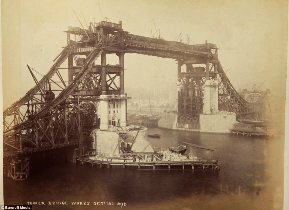 Tower Bridge Old Construction Photo 3